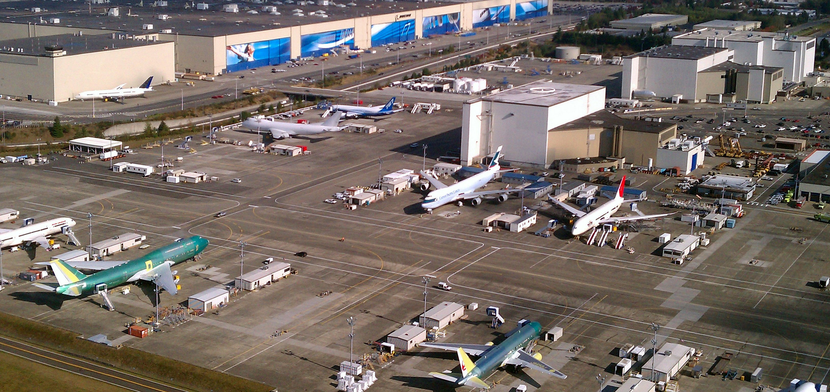 Aerial_Boeing_Everett_Factory_October_2011
