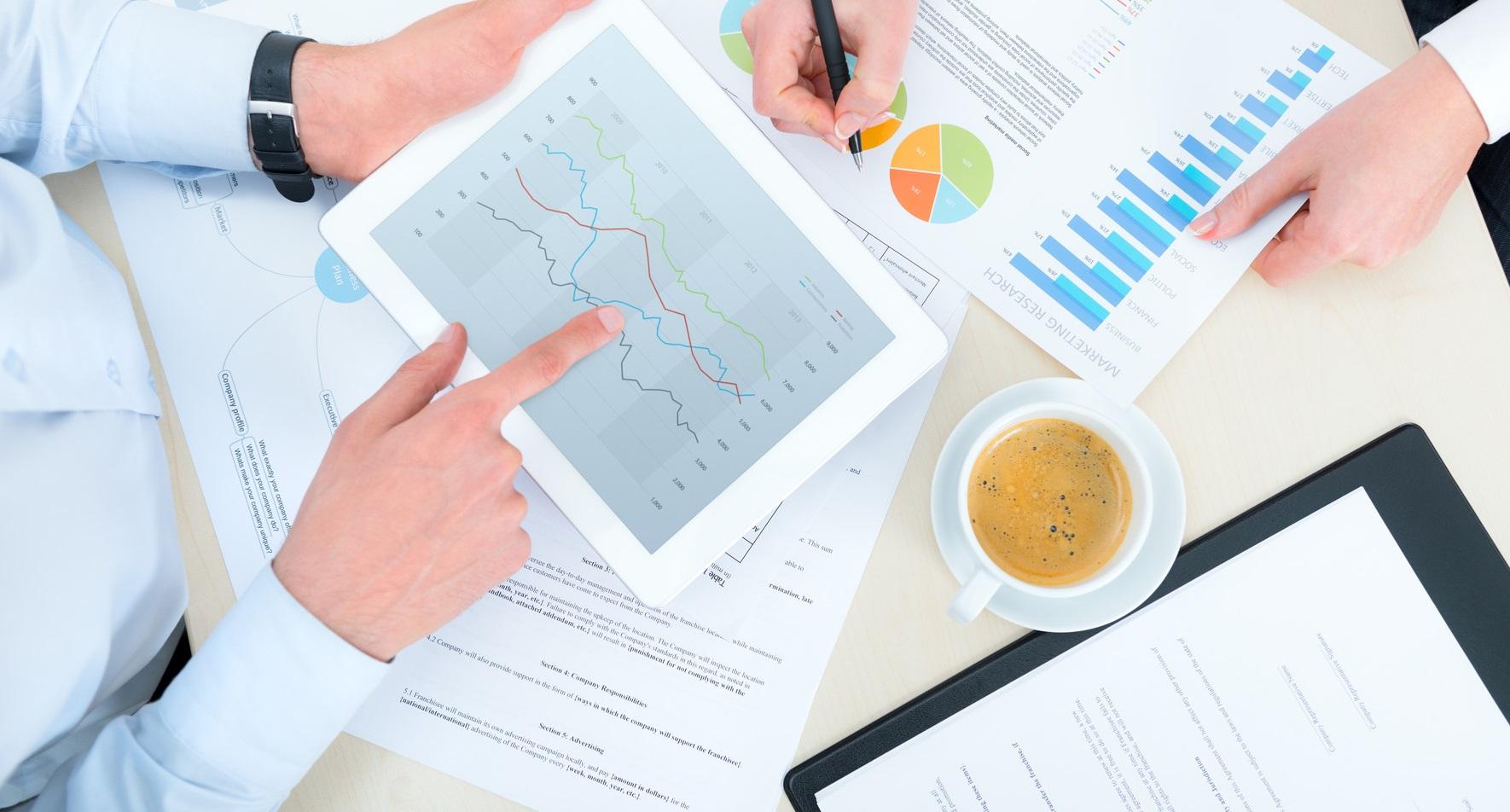 photodune-3853785-business-analytics-m1